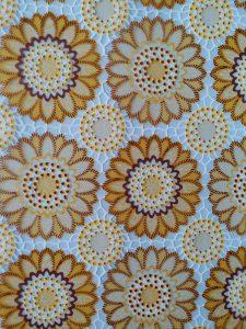 Mẫu dán kính trang trí hình hoa cúc vàng mã A51