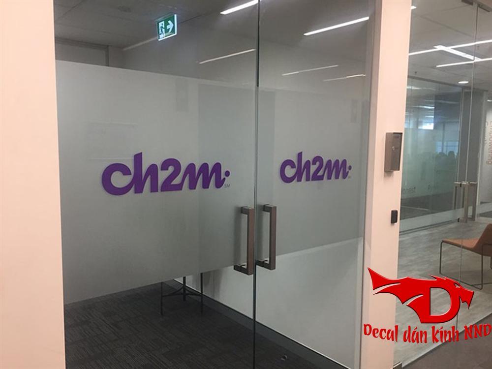 In chữ màu tên công ty văn phòng trên nền giấy mờ dán cho cửa ra vào