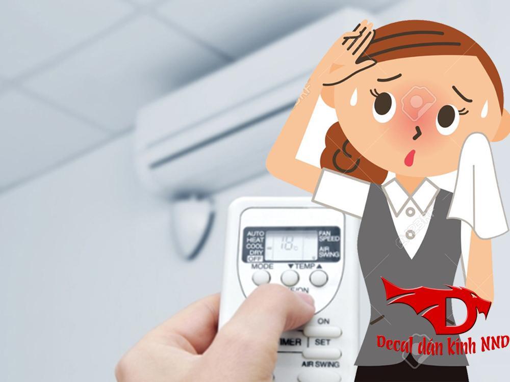 Dán decal phim chống nắng giúp điều hòa hoạt động hiểu quả hơn từ đó tiết kiệm được tiền điện cho các bạn