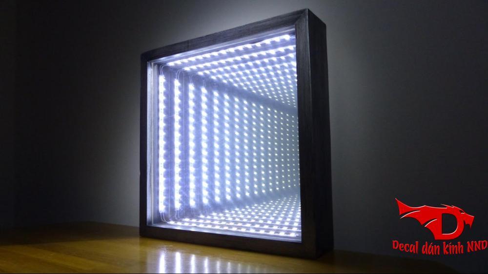 Decal dán kính phản quang dùng để làm gương vô tận trang trí cho phòng karaoke